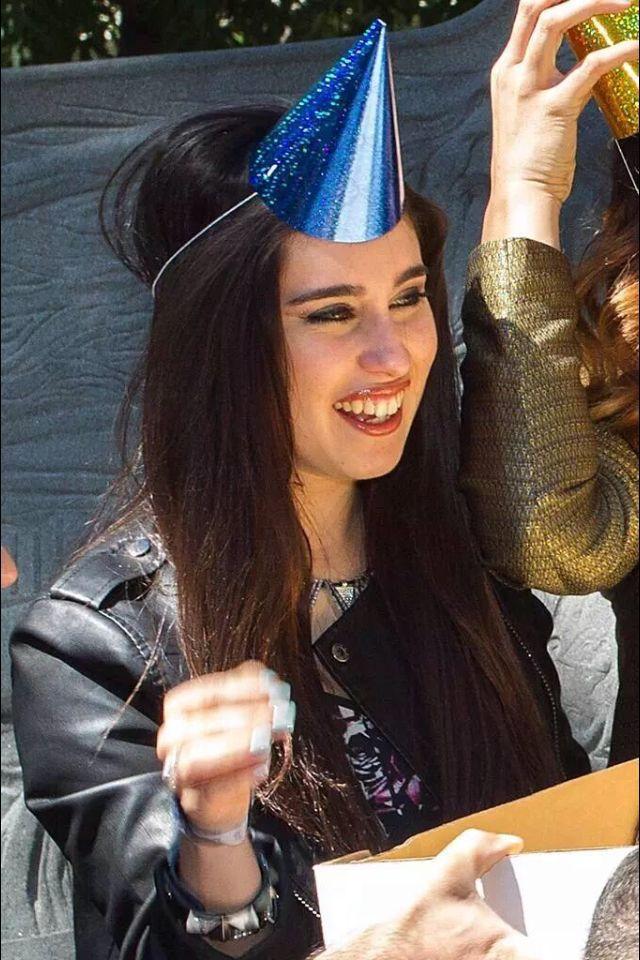 lauren jauregui hat - photo #28