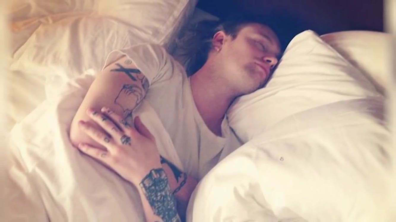 styles sleeping Harry