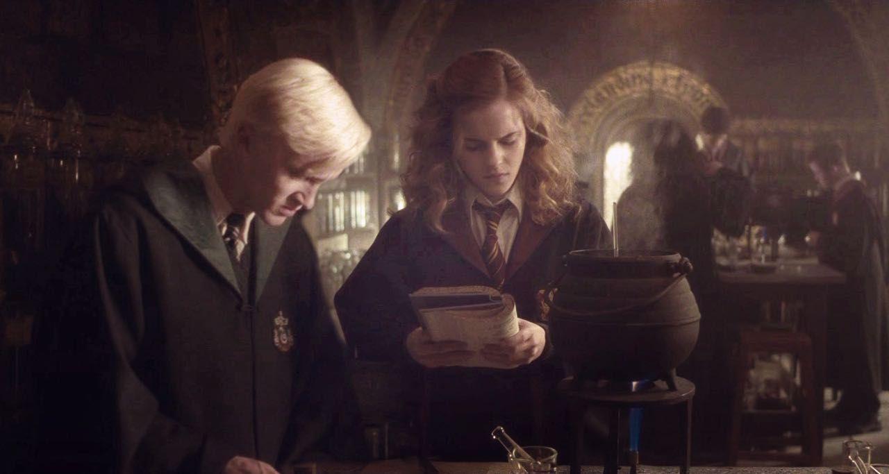 นิยาย [Draco x Hermione] Winners Keepers > ตอนที่ 17 : Chapter 16 :  สองหัวดีกว่าหัวเดียว : Dek-D.com - Writer