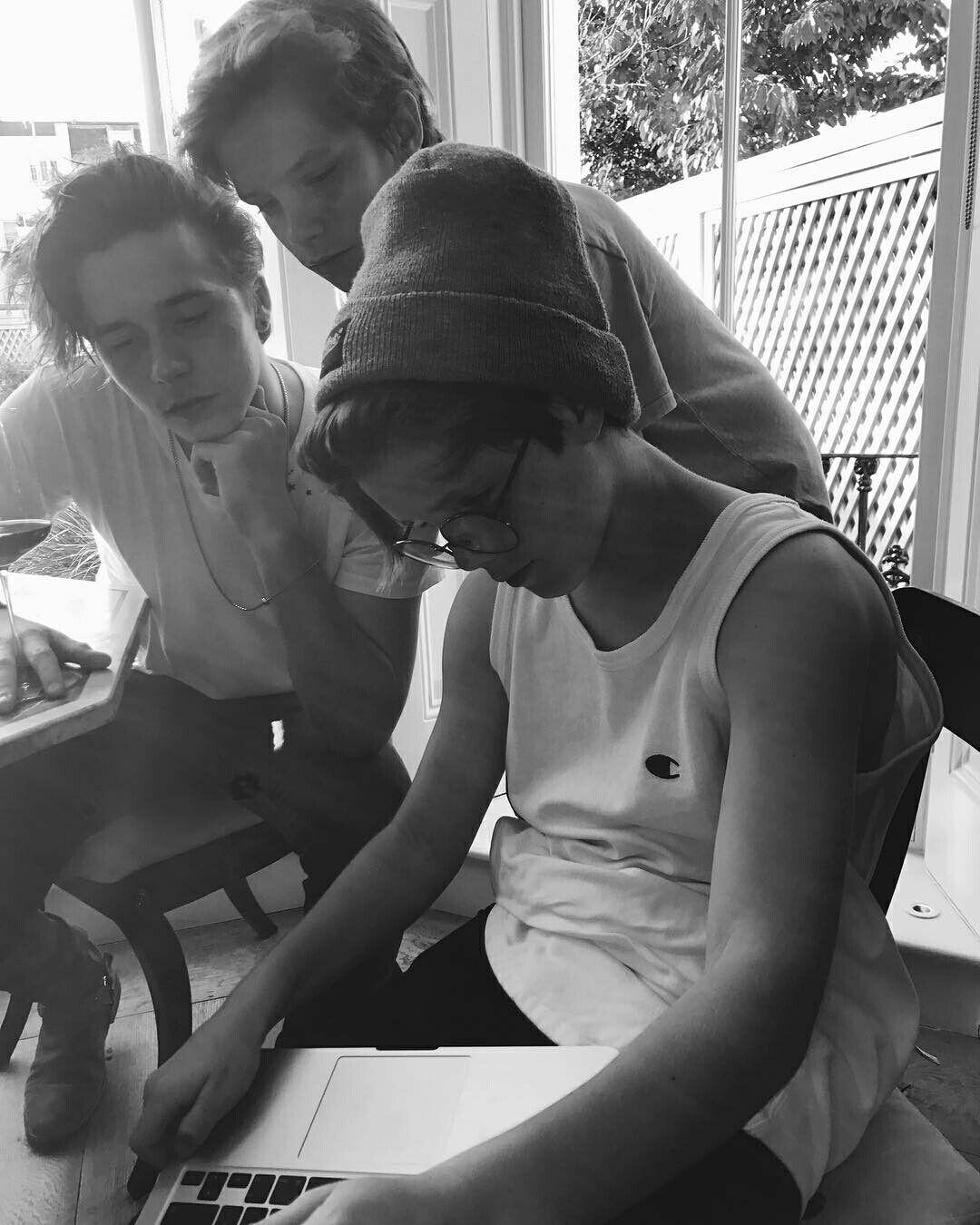 rencontre jeune gay writer à Châtenay-Malabry