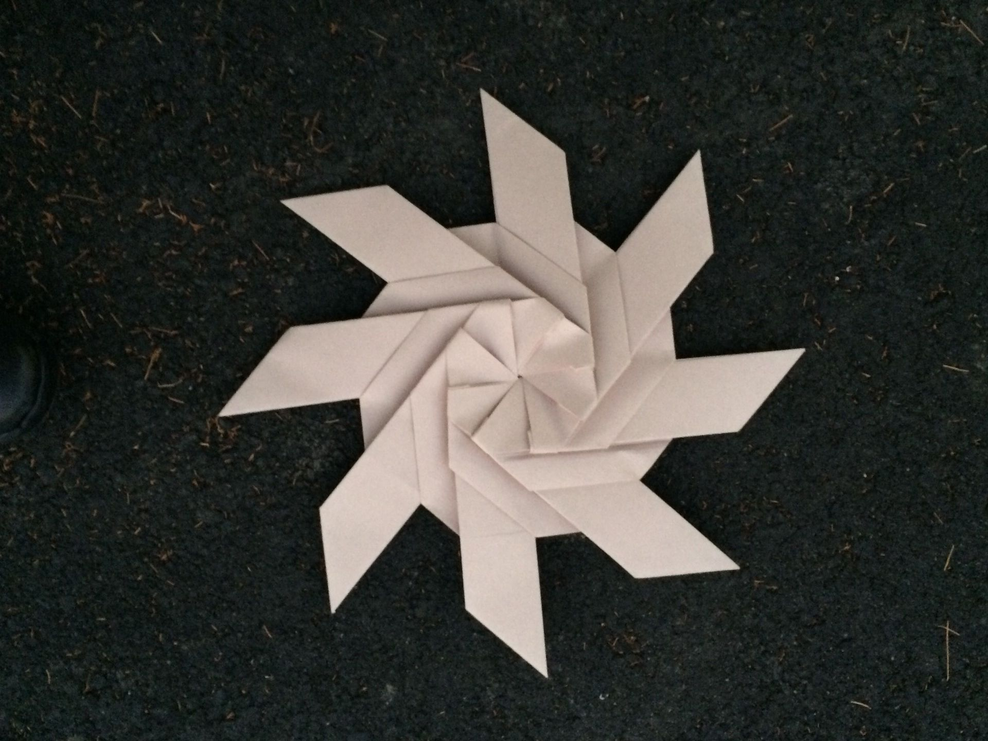 How to Fold a transforming eight pointed ninja star out of origami paper «  Origami :: WonderHowTo | 1440x1920