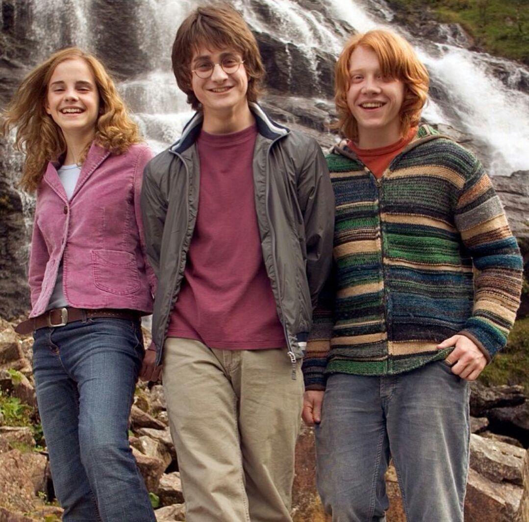 Ron und Hermine haken