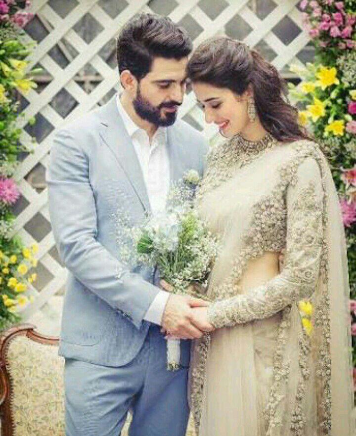 Randhir sanyukta wedding dress