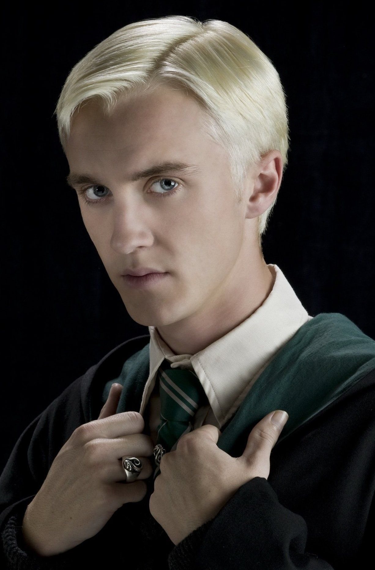harry potter characters x reader - Draco Malfoy x Shy
