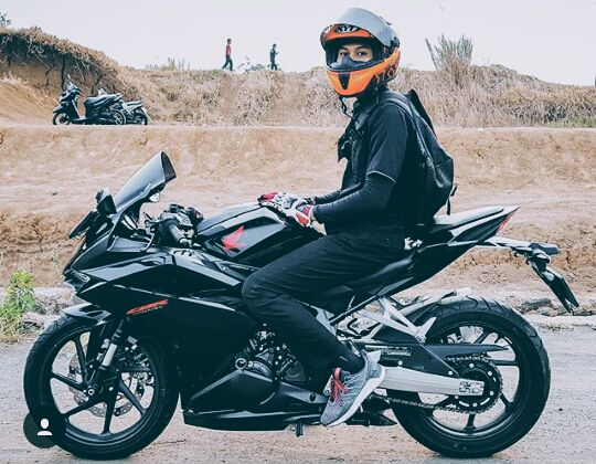 88+ Gambar Cowok Keren Naik Motor Ninja HD Terbaik