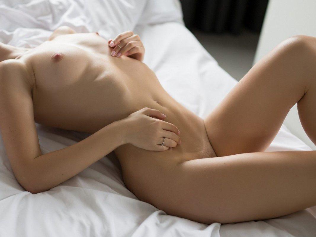 Nackt Streicheln