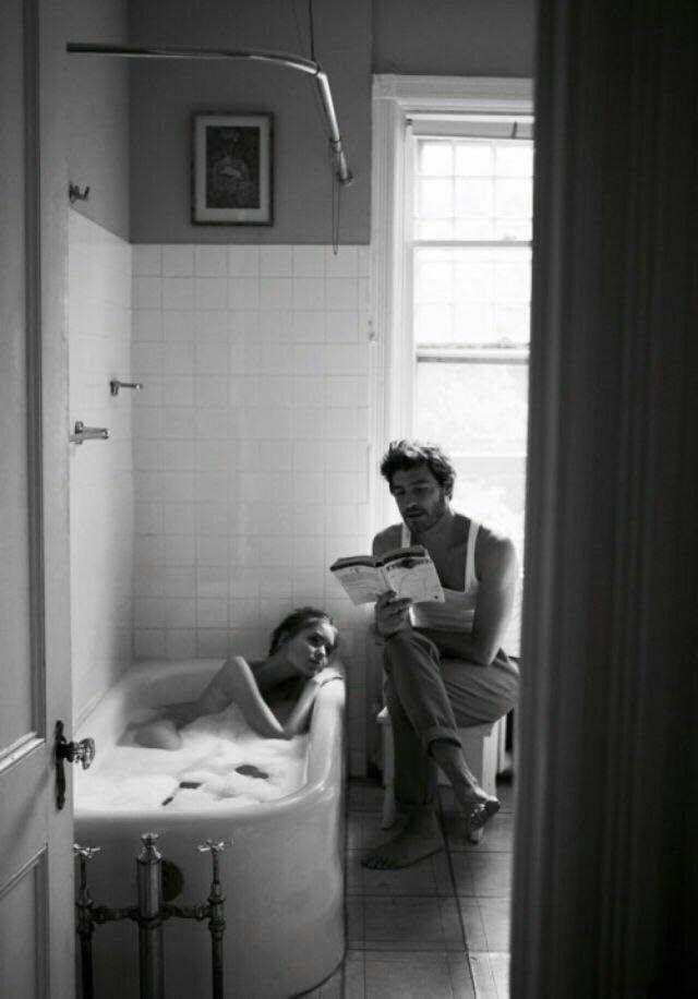 Найдя свои стихи среди газет, отправленных читателем в клозет